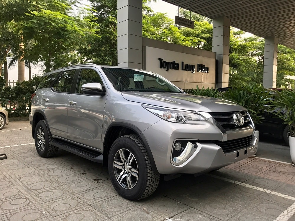 Giá xe Toyota Fortuner 2020