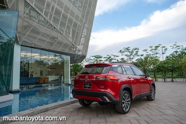 duoi-xe-toyota-corolla-cross-18v-2020-2021-muabantoyota-com-vn